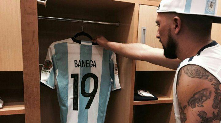 El rosarino Banega estará desde el inicio en la final contra Chile.
