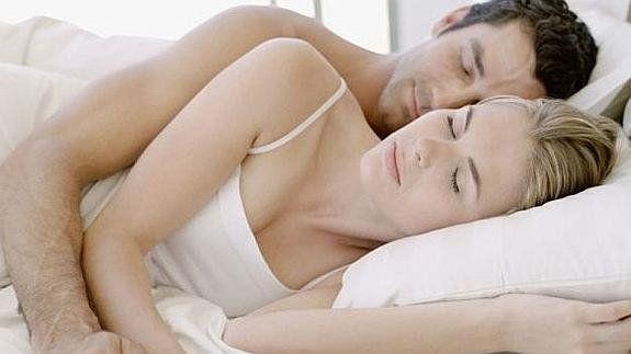 La ciencia descubrió cuál es la mejor posición para dormir