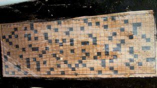 Una abuela arruinó una importante obra de arte porque pensó que era un crucigrama