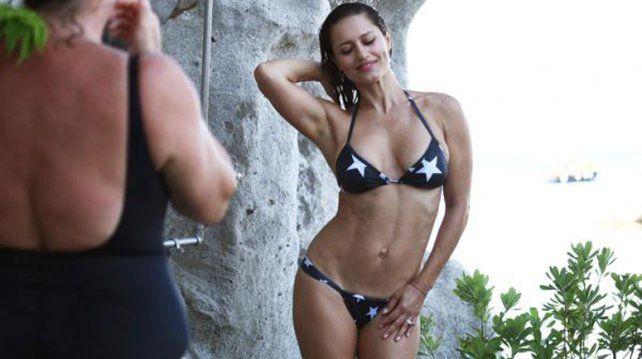 La actriz nacida en Capitán Bermúdez exhibió su envidiable figura.