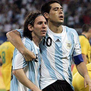 Lionel Messi y Román Riqueme, hace unos años cuando ambos compartían la selección argentina.
