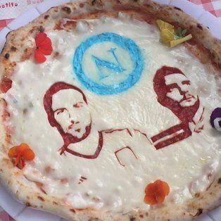 en napoles ofrecen una promocion de pizzas si pipita higuain se lesiona jugando para la juve