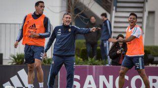 El seleccionado argentino realizó la primera práctica con Bauza, a la espera de Messi