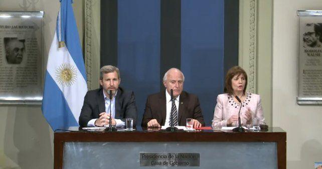 Lifschitz compartió la conferencia de prensa con los ministros Patricia Bullrich y Rogelio Frigerio.