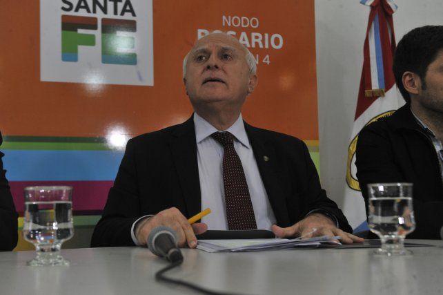 El gobernador Miguel Lischitz denunció intentos desestabilizadores en una conferencia de prensa el viernes pasado.