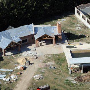 La mansión que estaba construyendo la familia Cantero, los líderes de Los Monos, en Peréz.