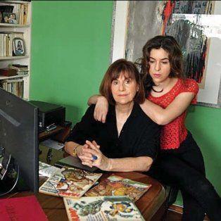 Nora Bonis, viuda de Andrés Cascioli, y su hija, azoradas por la decisión de la justicia.