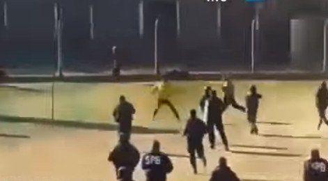 La imágenes de una brutal batalla a facazos en la cárcel de Sierra Chica