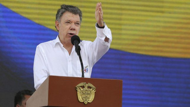 Santos fue reconocido por sus esfuerzos por terminar con la guerra civil en su país.