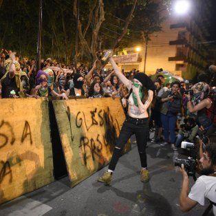 Los incidentes frente a la Catedral de Rosario despertaron sospechas entre las autoridades de Seguridad y también los participantes del acto.