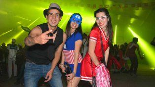 Paraná vivió su noche disfrazada junto a miles de visitantes de todo el país