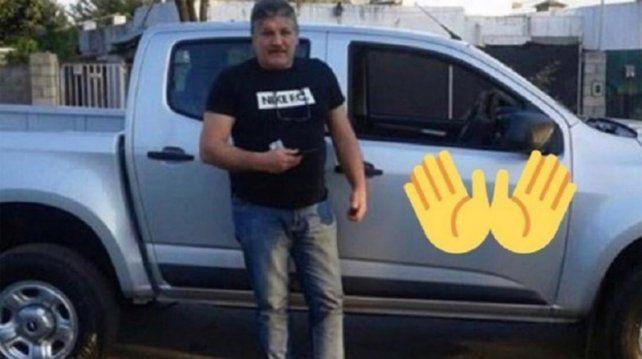 El padre de Mauro Icardi se fotografió junto a la nueva camioneta de la familia.
