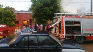 Un hombre perdió la vida al intentar rescatar a sus gatitos de su casa en llamas.