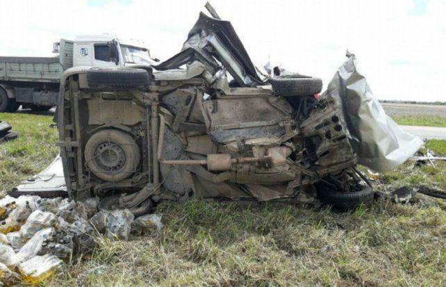 Cinco muertos en un brutal choque frontal en la ruta 7 a la altura de Laboulaye