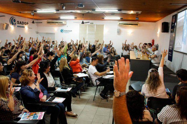 Esta mañana los delegados de Sadop votaron adherir a la medida de fuerza por 48 horas.