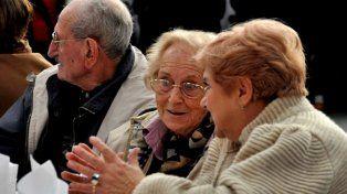 La Defensoría del Pueblo denunció en la Fiscalía los reiterados casos de estafa de los que son víctimas jubilados.