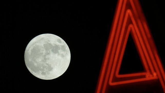 Así se ve la Superluna por el mundo