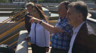 Macri hoy en la planta de depuramiento en Lanús que incorpora a 90 mil vecinos al sistema cloacal.