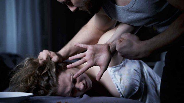 Mujer abusada se hizo pasar por asistente social y encontró al hombre que la violó