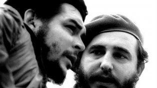 Cerca de la revolución. El Che y Fidel, figuras centrales del proceso revolucionario en Cuba.