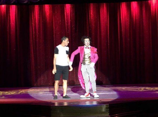 Maxi Rodríguez se subió al escenario del Circo Tihany y la rompió