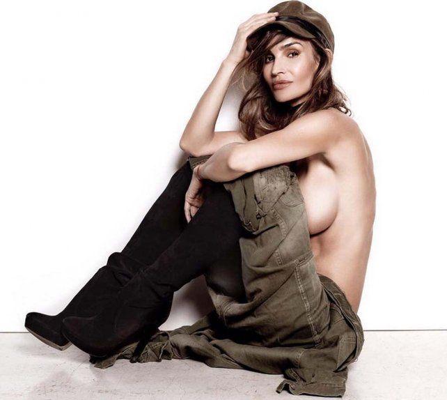 Siempre vigente, María Vázquez posó casi desnuda y contó su nuevo proyecto