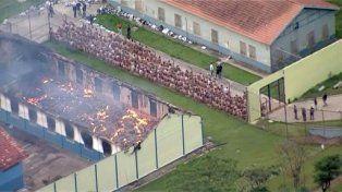 Un sangriento motín en una cárcel de Brasil dejó un saldo de al menos 60 muertos