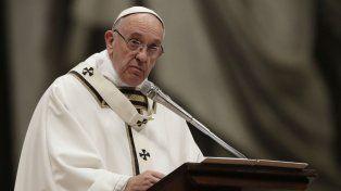 Francisco reclamó que se tomen las medidas necesarias para proteger a los niños de los curas pedófilos.