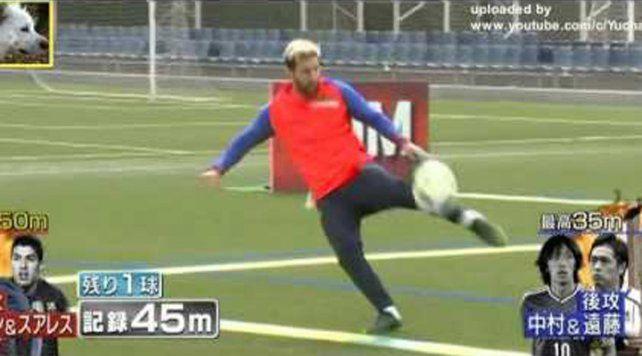 Messi y Suarez sorprenden en un nuevo desafío para la TV japonesa