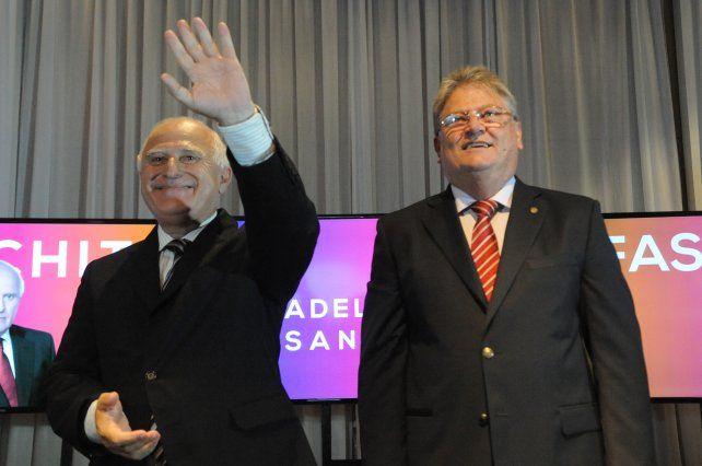 La decisión del gobierno nacional de pagarle 25 mil millones de pesos a la provincia de Buenos Aires causó alarma en Santa Fe.