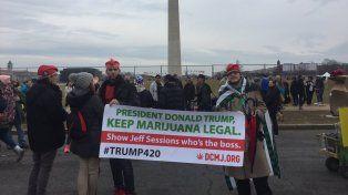 Reparten miles de porros de marihuana durante la asunción de Trump en Washington