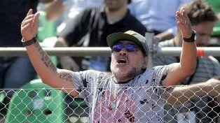 Maradona disparó munición gruesa contra el Patón Bauza por haber ido a visitar a Mauro Icardi.