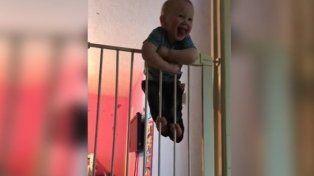 Un bebé se revela como e nuevo Houdini de las redes sociales.