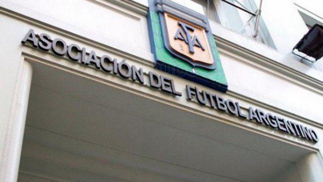 Una nueva escucha para que bajen una sanción a Tevez sacude a la AFA