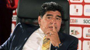 Maradona disparó munición gruesa contra el Patón Bauza, porque lo visitó a Icardi.