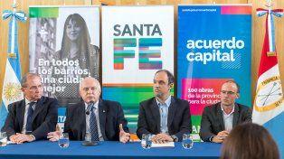 El gobernador Miguel Lifschitz compartió un acto con el intendente de Santa Fe, José Corral, en la capital provincial.