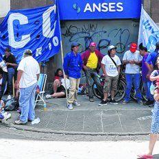 Ansés. En Sarmiento y Rioja varias organizaciones pidieron más asistencia social, que ahora podrían perder.