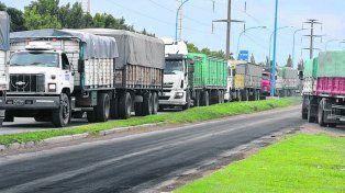costo. De Salta a Rosario el flete en camión cuesta el doble que de Rosario a China.