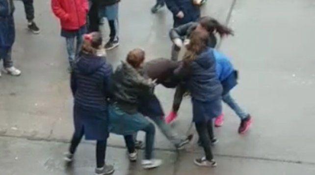 Filtran videos de violentas peleas entre alumnos de una escuela de San Jorge