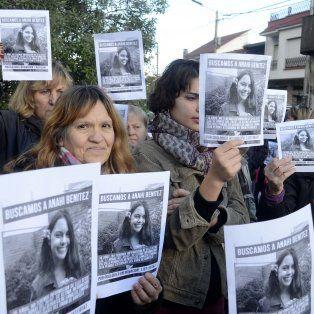 Familiares y amigos de Anahí marcharon para pedir el esclarecimiento del hecho.