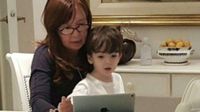 La expresidenta publicó una foto junto a su nieto Néstor Iván.