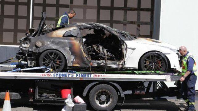 Golpe mortal. Así quedó el lujoso auto incendiado luego del accidente.