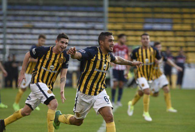 Los pibes canallas avanzaron en la Copa con un resonante triunfo sobre Unión por 2 a 0.
