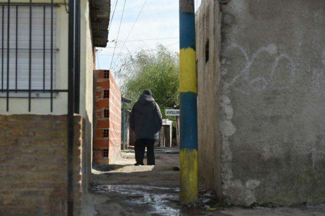 El pasillo donde fue ultimado a balazos el joven Verón.