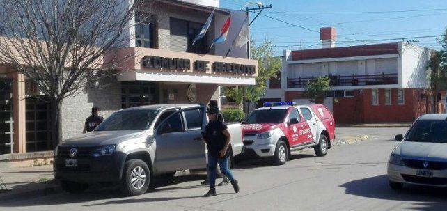Personal de Explosivos y de la PDI en la comuna de Arequito.