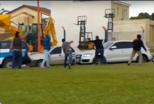 La imagen del ataque al auto que trasladaba al presidente.