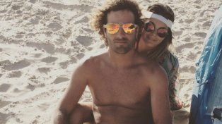 Apasionado video de Natalie Pérez chapando con su novio en las playas de Brasil