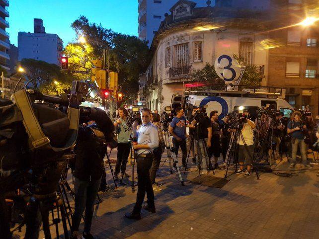 La prensa. Los periodistas cubrieron el acto homenaje en gran número.