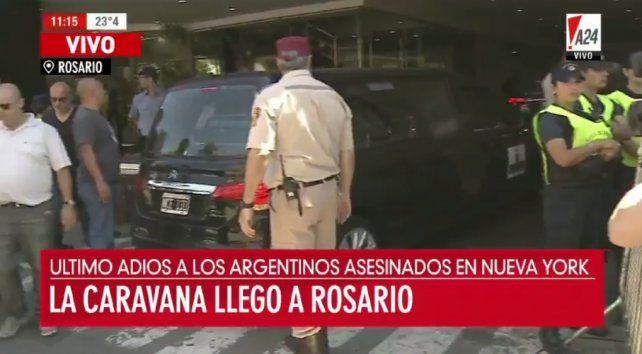 Los cuerpos de las víctimas del atentado llegaron a Rosario para ser velados