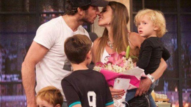 Una foto de Pampita con sus hijos generó una enorme polémica